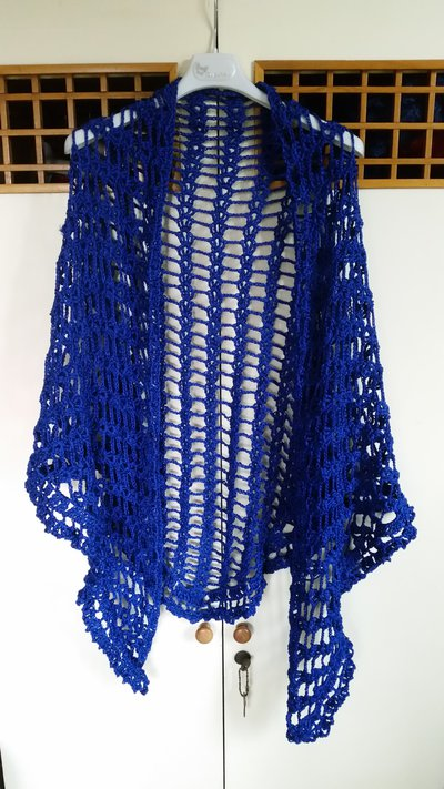 scialle traforato blu cobalto