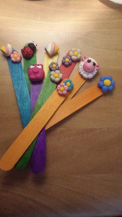 segnalibri in legno con miniature