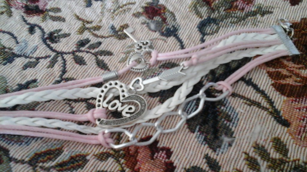 Braccialetto in pelle charms
