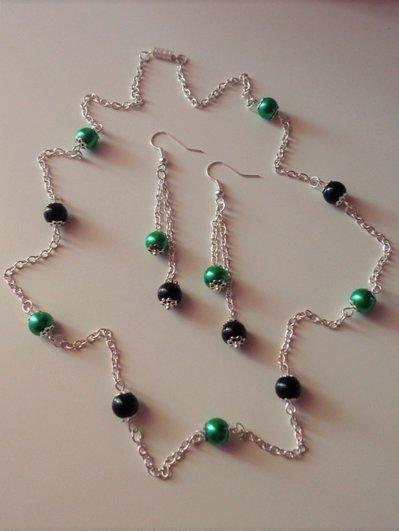 Parure collana e orecchini verde e nero