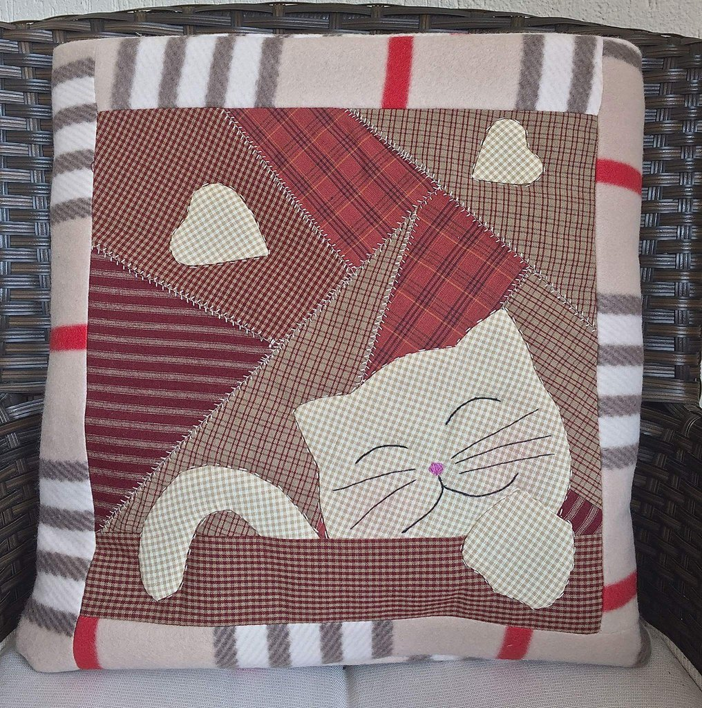 cuscino quillow gatto beige - un cuscino con dentro un plaid