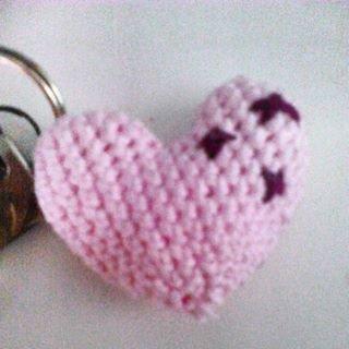 cuore amigurumi portachiavi