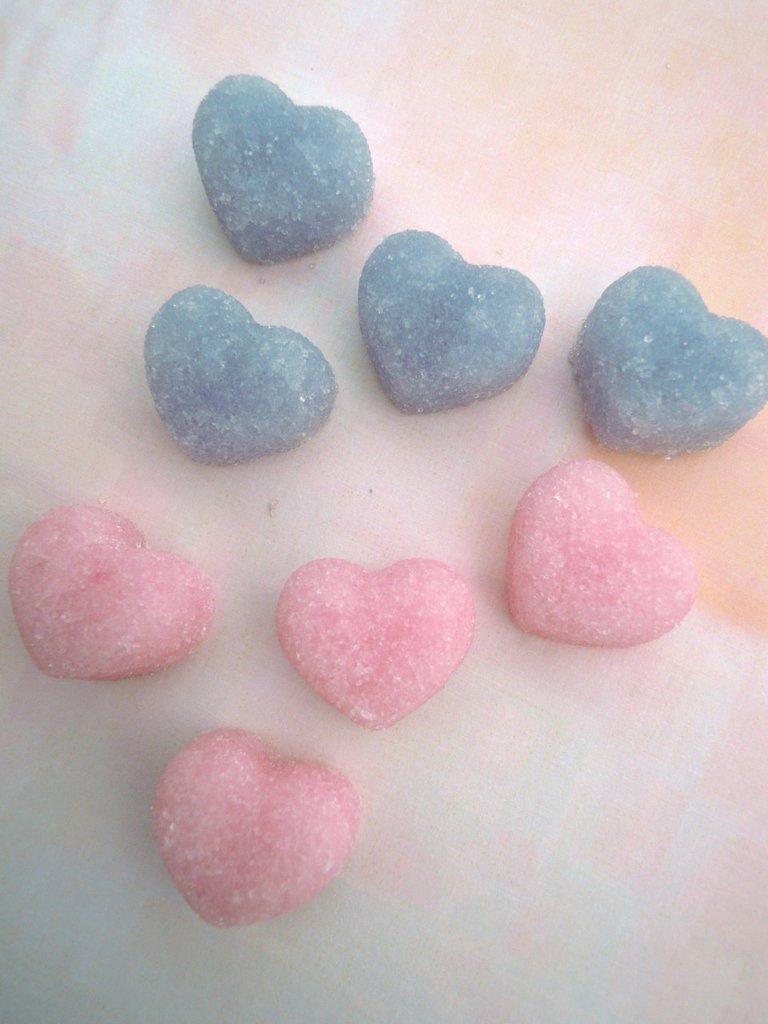 cuori di zucchero (zollette) colorate