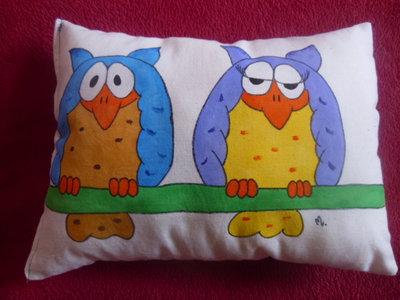 "cuscino dipinto ""gufi"""