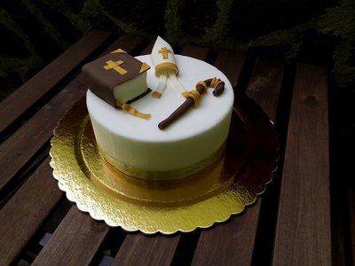 "Dummy cake(torta da esposizione)tema ""Santa Cresima"""