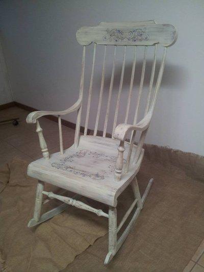 Sedia a dondolo per la casa e per te arredamento di - La sedia a dondolo ...