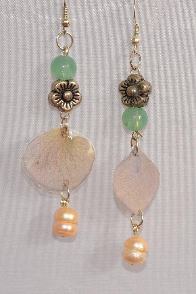 Orecchini Petali d'Ortensia Perle di Fiume Amazzonite