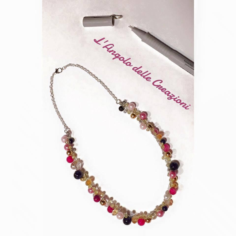 Collana realizzata a mano con fili argento, cristalli e perline - Tonalità Rosa - Su misura e personalizzabile