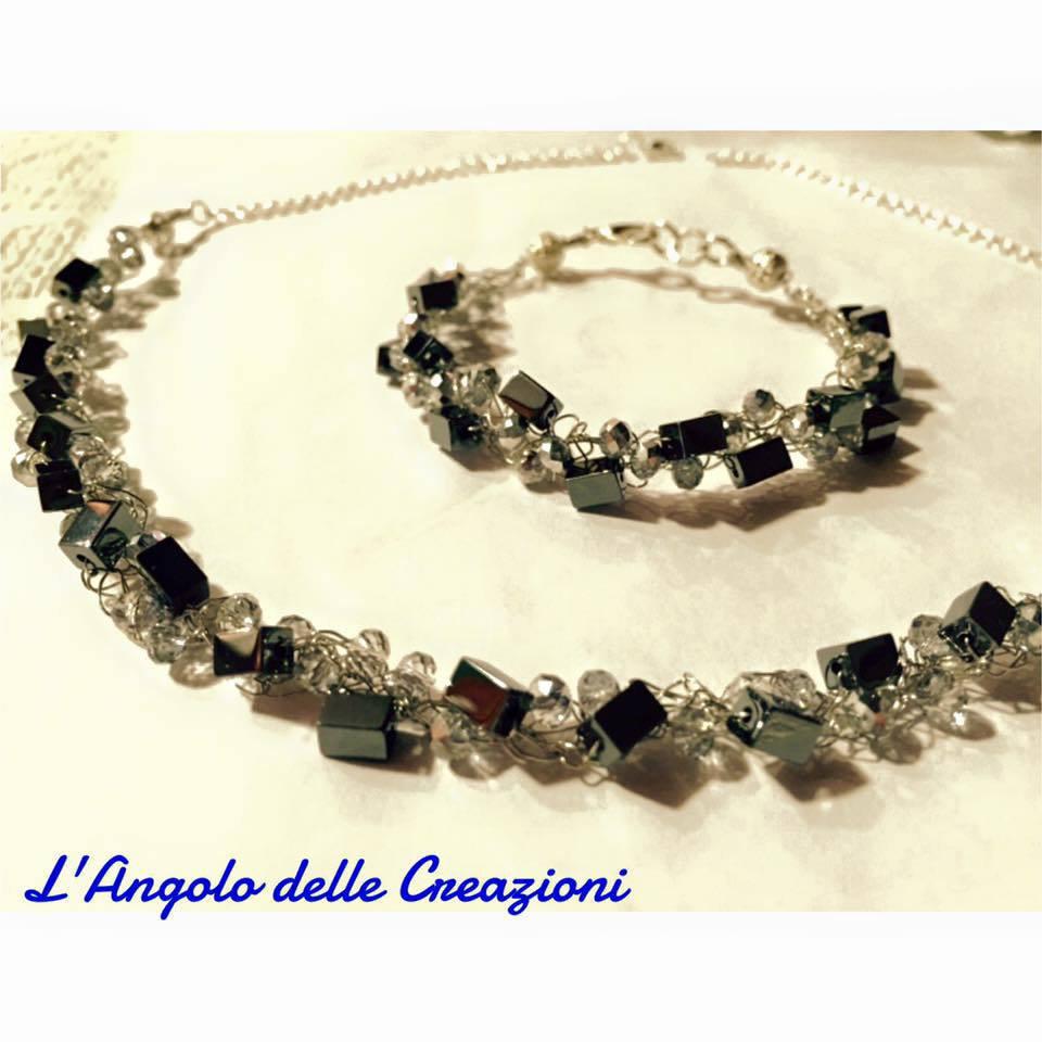 Set collana e bracciale fatta a mano con fili argento, cristalli neri e pietre dure