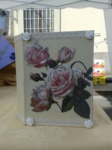 _Album fotografico decorato a mano con rose, merletto e ...