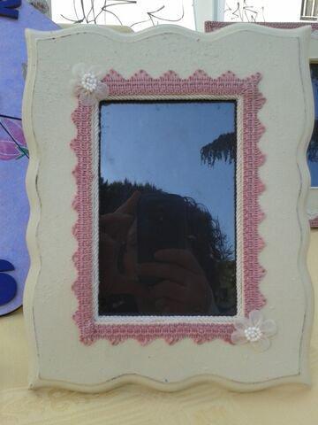 _Portafoto da tavolo in legno decorato a mano con merletto e fiori_