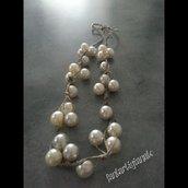 collana di corda e perle bianche