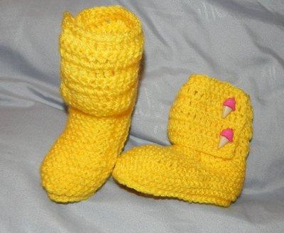 Stivaletti stile Hugg  giallo in misto lana