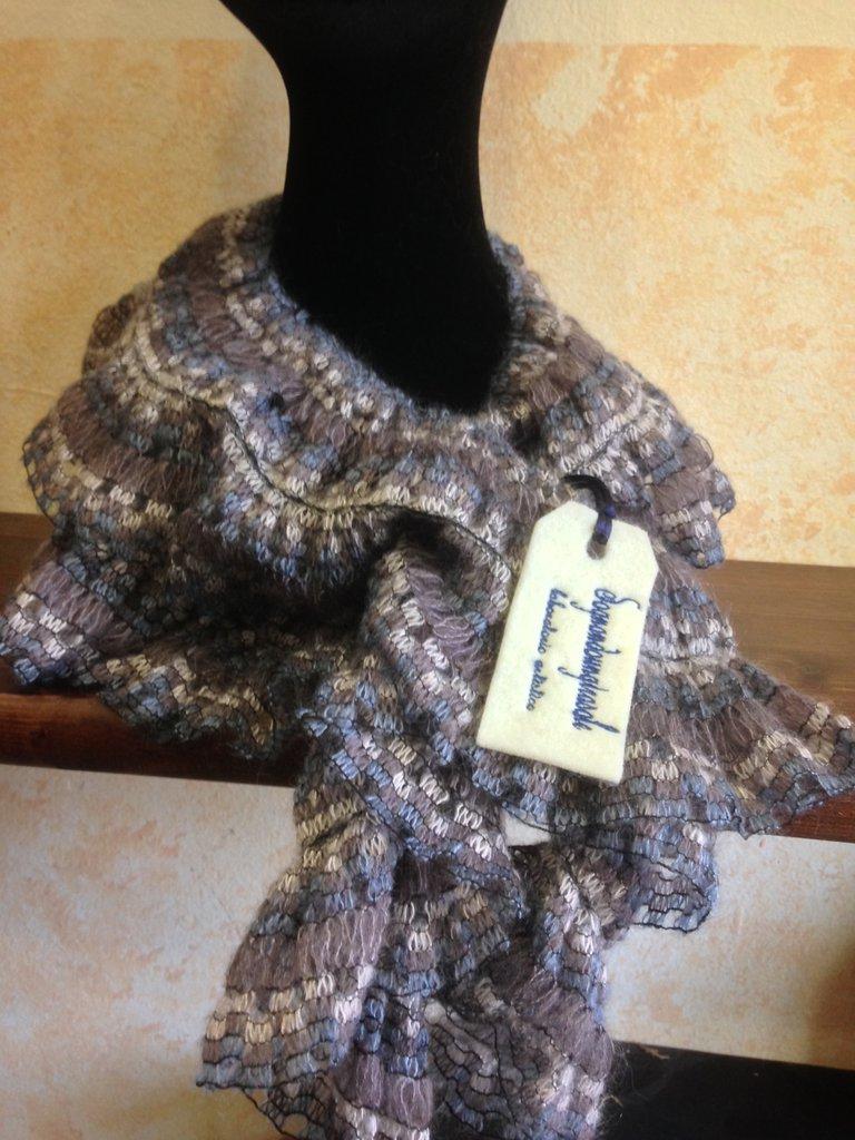 Foulard in lana e seta color polvere