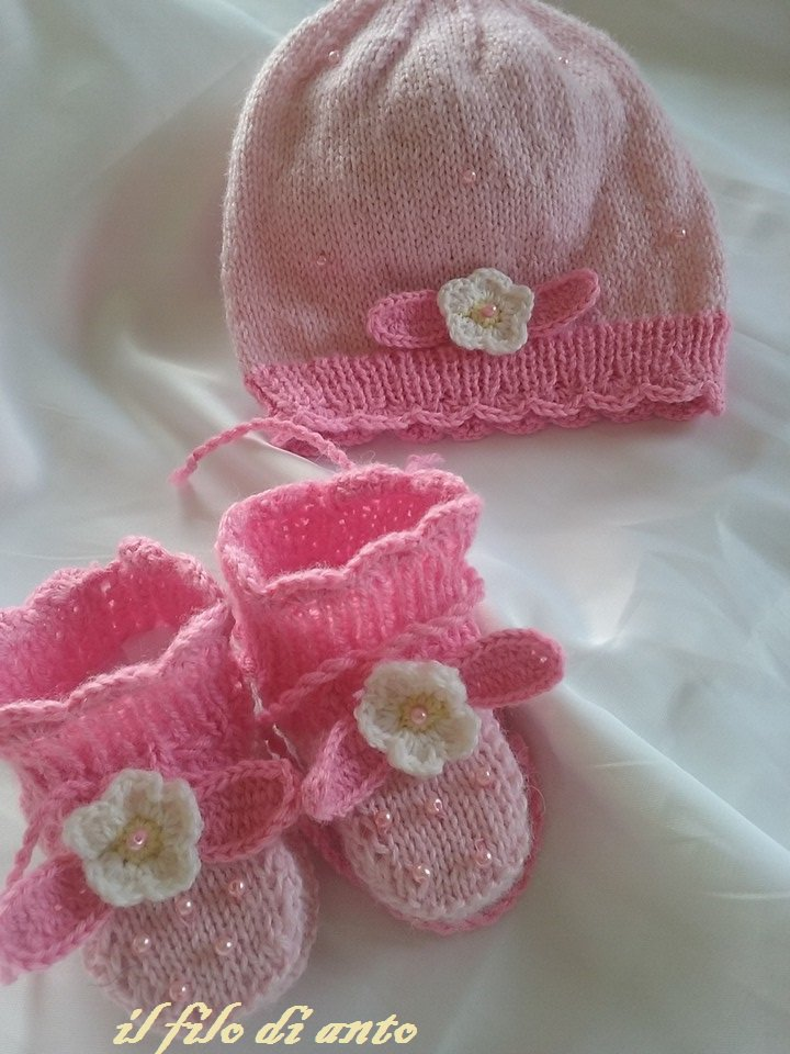"""Cappello e scarpine rosa """"fragolina"""""""