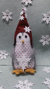Pinguino  con fiocco di neve in pannolenci