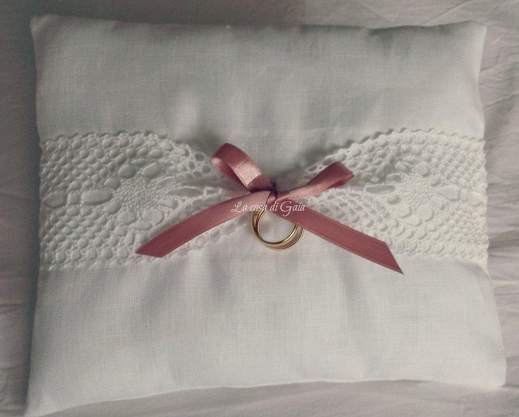 Cuscino porta fedi in lino bianco