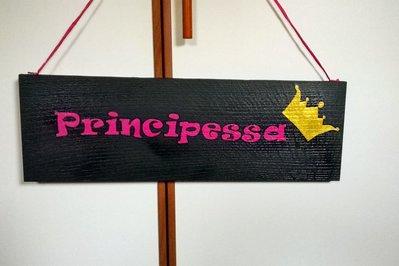 """Pannello in legno con scritta """"Principessa"""""""