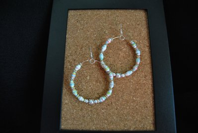 orecchini cerchio con perle di carta
