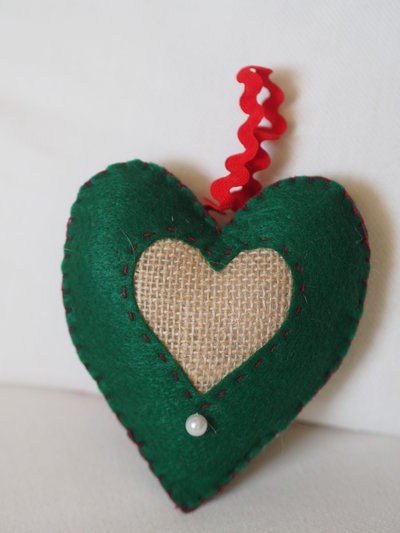 Cuore in feltro verde e juta.decorazione di natale.da appendere ...