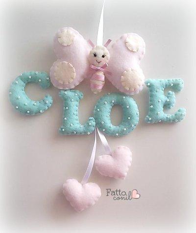 fiocco nascita  personalizzabile farfallina con lettere color tiffany imbottite e cuori pendenti