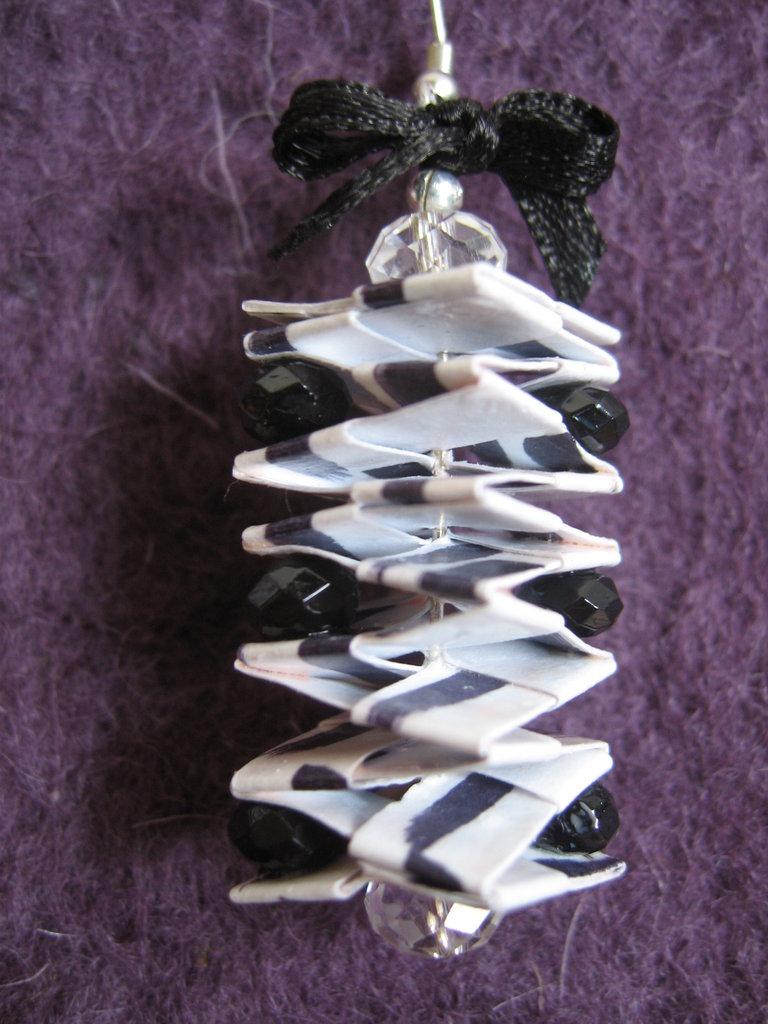 Orecchini origami e perline (2)