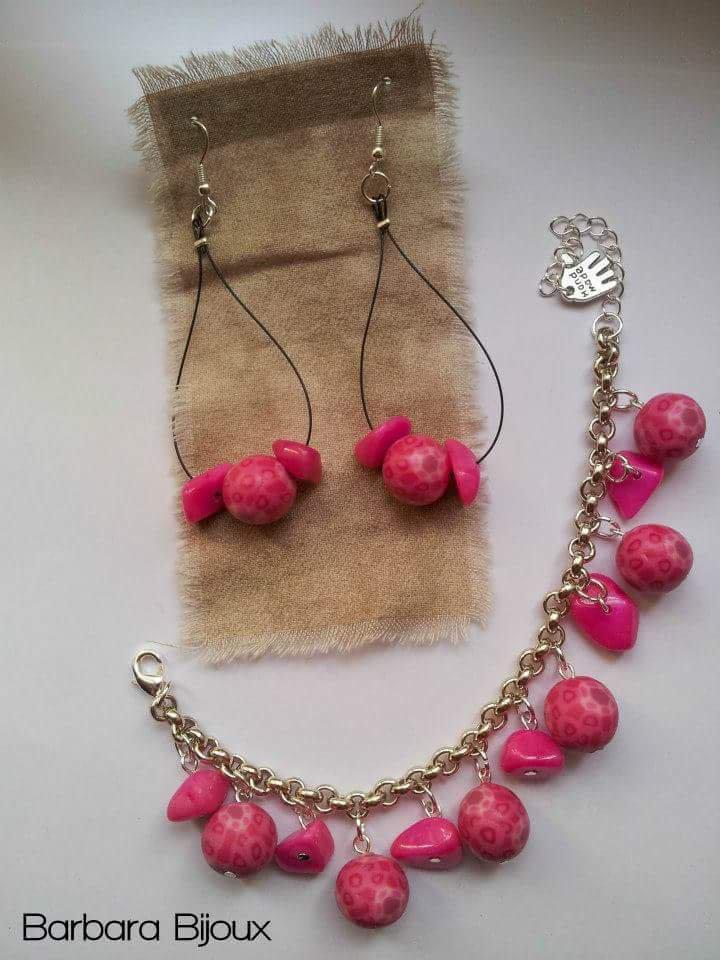 Bracciale e orecchini in perle rosa effetto murrine.