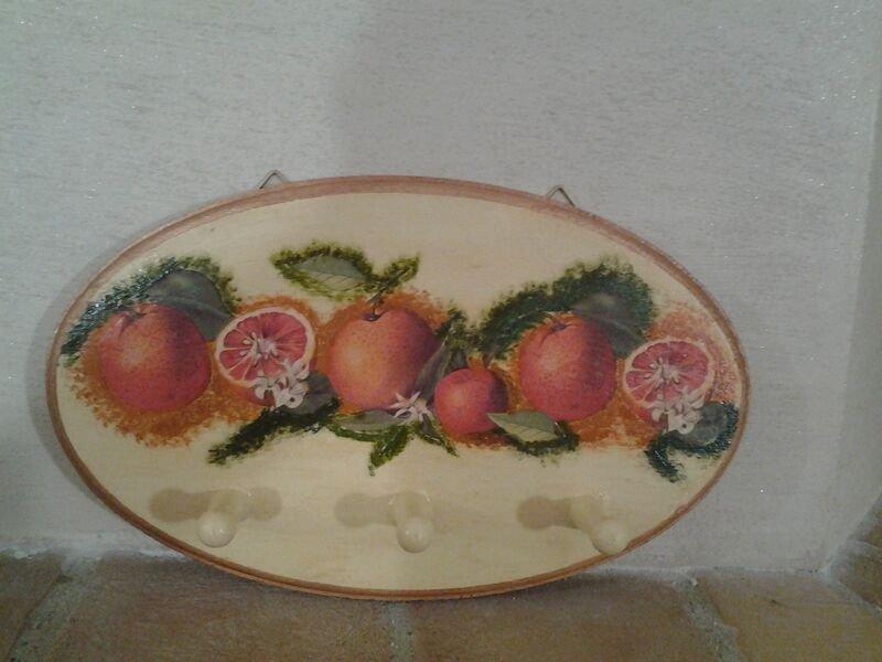 _Porta presine in legno con arance in stile pittorico_