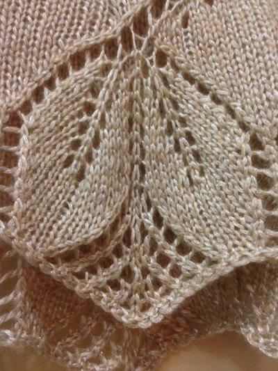 Eccezionale Stola avvolgente in lana fatta a mano con motivo a foglie color  ZH44