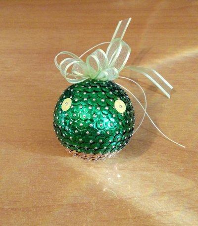 Tomberry stilizzato su sfera (Final Fantasy) - addobbo natalizio