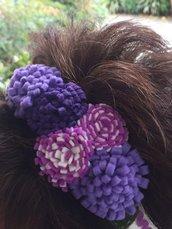 cerchietto per capelli con fiori sul viola