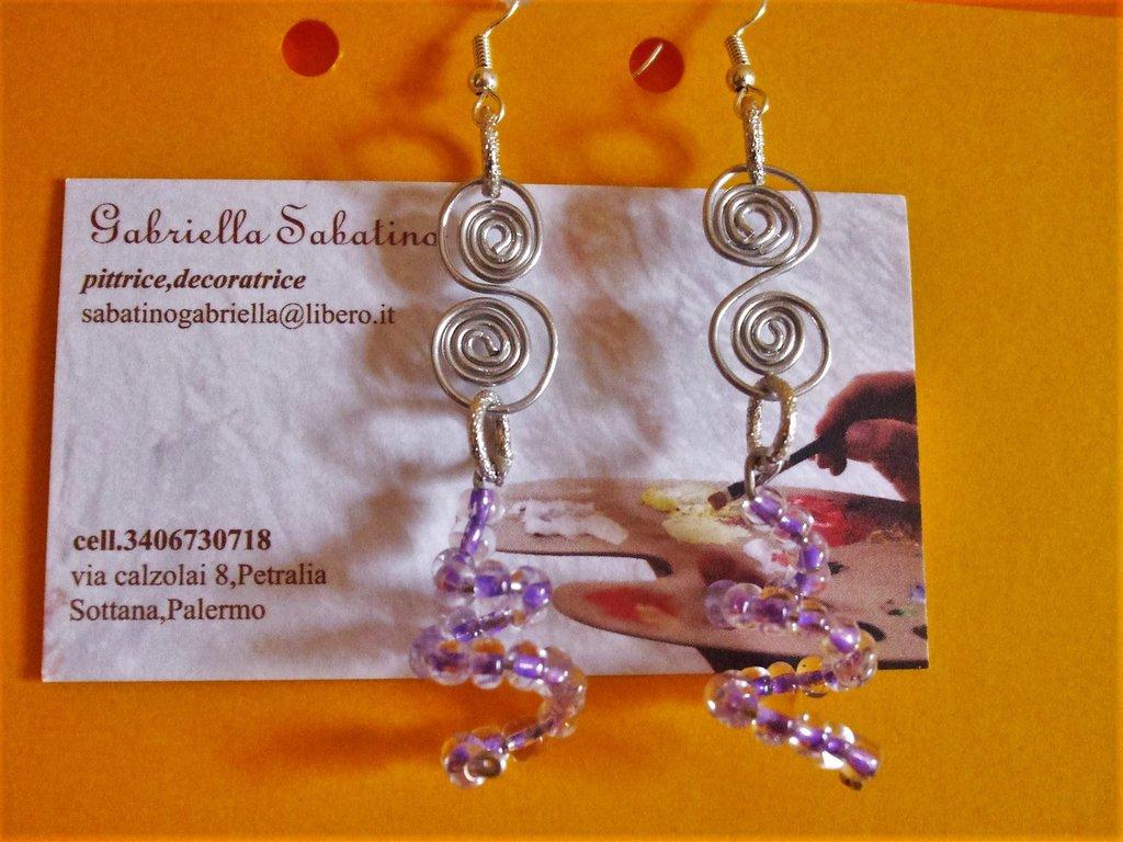 orecchini pendenti con perline