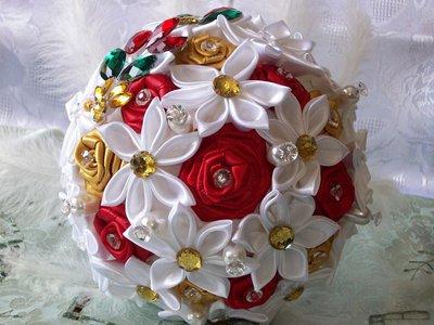 Bouquet di raso e strass