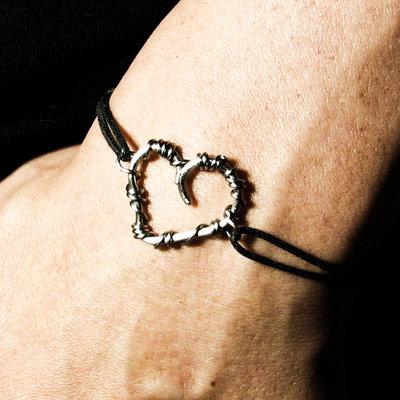Braccialetto cuoricino, bracciale cuore acciaio, asimmetrico, uomo, amici
