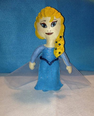 Bambolina in pannolenci Elsa