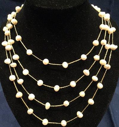 Collana di perle di fiume naturali e filo color oro o argento