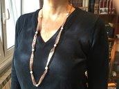 Collana di perle di fiume naturali e organza