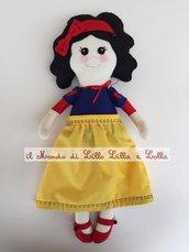 bambola stoffa Biancaneve