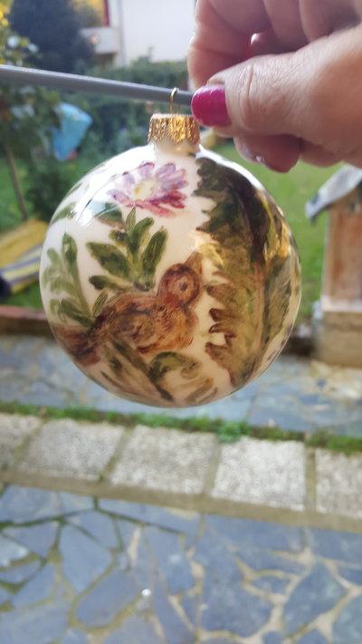palla natalizia in ceramica decorata a mano