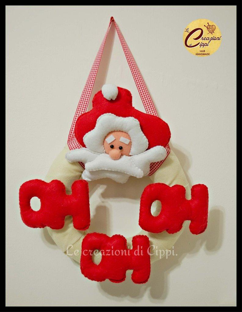Ghirlanda natalizia babbo natale fatta a mano in pannolenci.