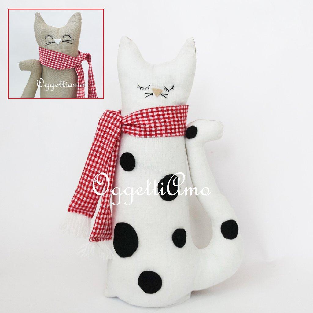 Gatto bianco maculato con doppia faccia: un'idea regalo originale!