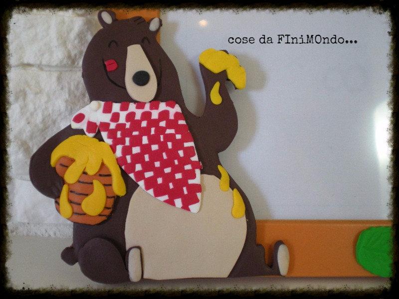 cornice bimbo/a decorata a mano con orso e miele