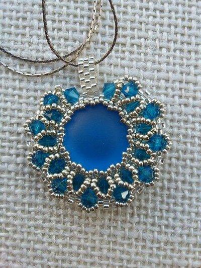 Collana con Ciondolo in perline e cristalli, gioielli fatti a mano