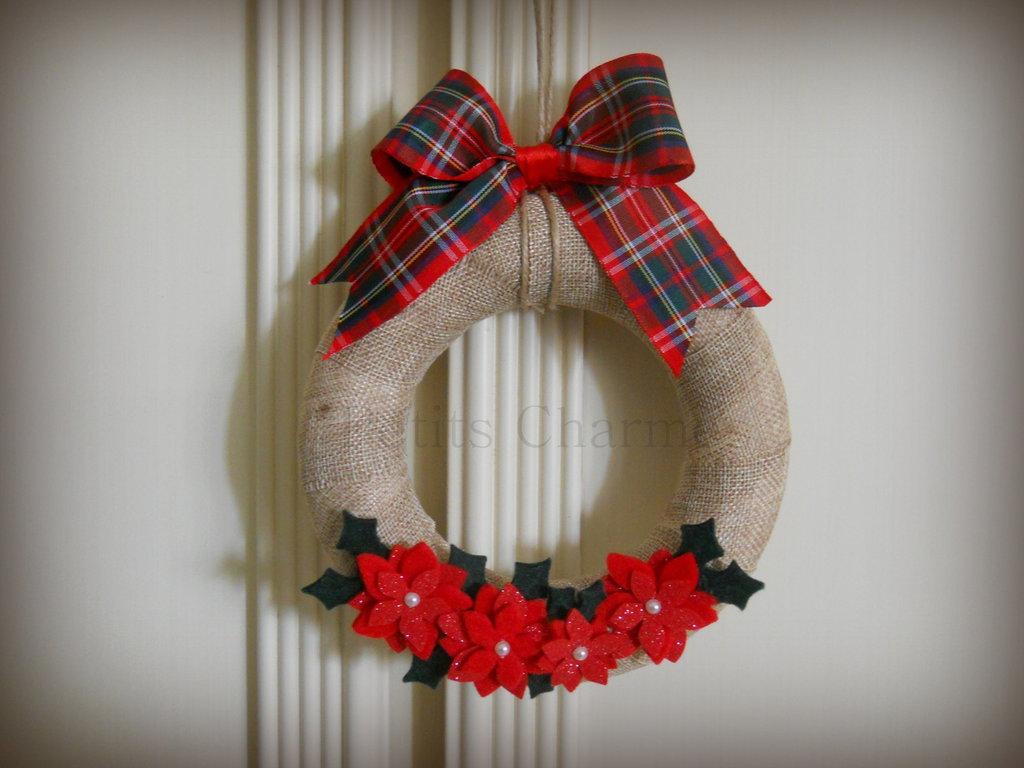 Ghirlanda di Natale con Stelle di Natale fatta a mano