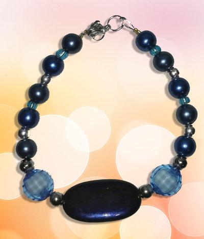 Bracciale con perle azzurre/blu