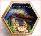 Presepio tradizionale fatto a mano in scatola di legno esagonale