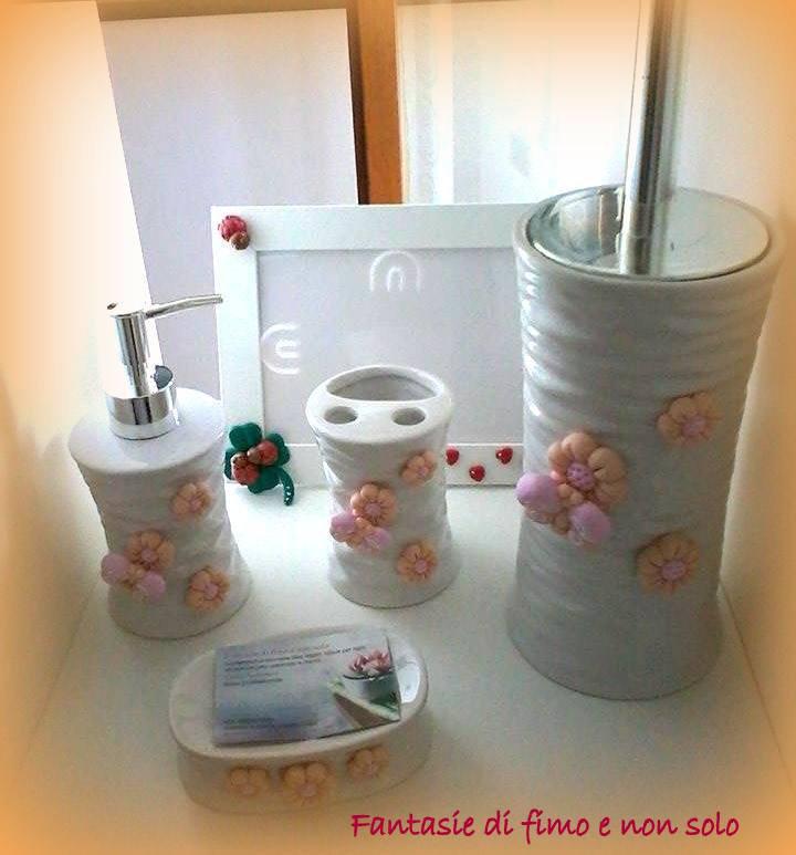 Set tris da bagno decorato per la casa e per te bagno - Tris tappeti bagno ...