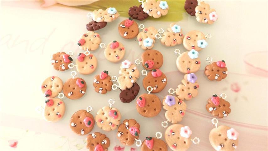 Novita FIMO - KAWAII - LOTTO OFFERTA STOCK 12 BISCOTTINI MISTI con fruttini  e fiorellini  per collane orecchini bracciali