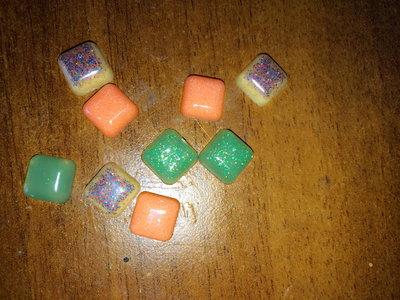Lotto 20 quadratini in resina
