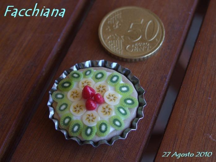 Torta di frutta, magnete per il frigorifero, oppure anello, spilla o collana